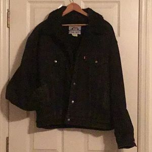 CLOSET FLASH SALE *special price* Levi's jacket